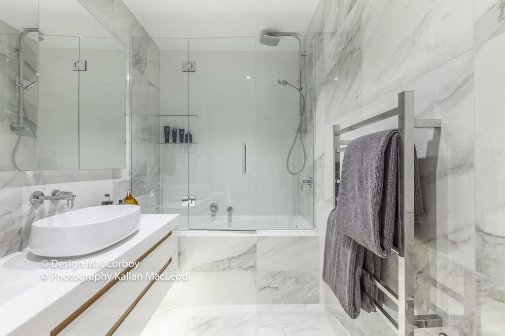 Market-Square-Viaduct-bathroom1-1-1024x682.jpg