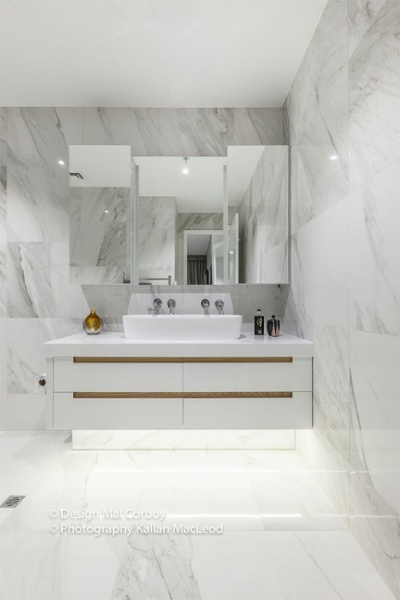 Market-Square-Viaduct-bathroom3-683x1024.jpg